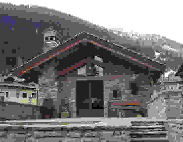 Casas de estilo rústico de Eddy Cretaz Architetttura Rústico