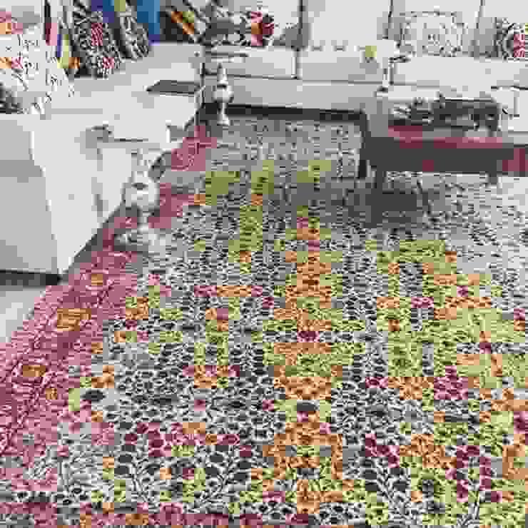 Mansion in Kuwait Klasik Oturma Odası My Home Halı Klasik