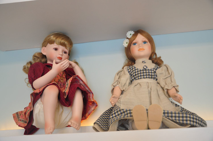 Quarto gêmeas Guilhermina e Valentina Quarto infantil moderno por Juliana Farias Arquitetura Moderno