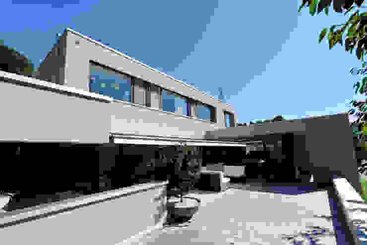 wernli architektur ag Дома в стиле модерн