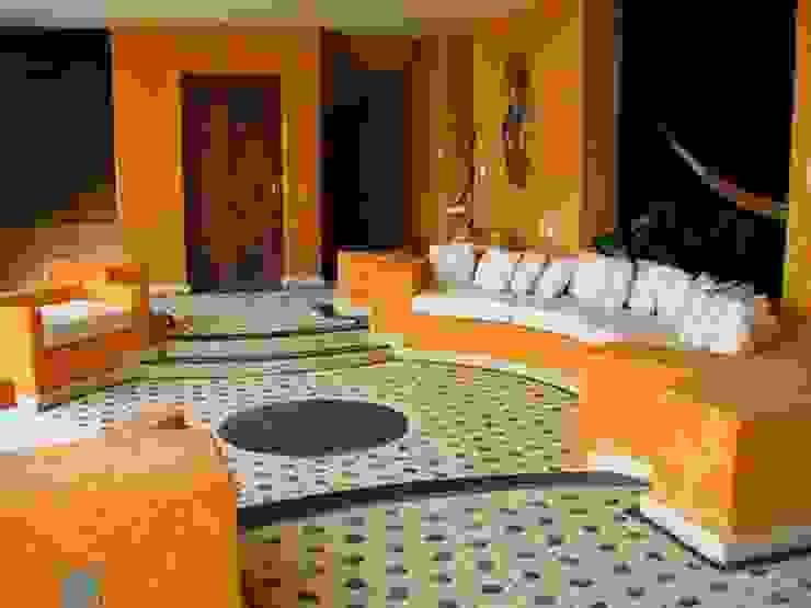 Terraza abierta Balcones y terrazas tropicales de ARQUELIGE Tropical