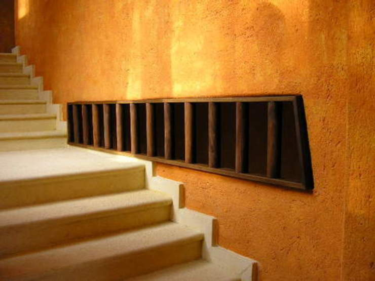 Vista de Escalera Tropische gangen, hallen & trappenhuizen de ARQUELIGE Tropical