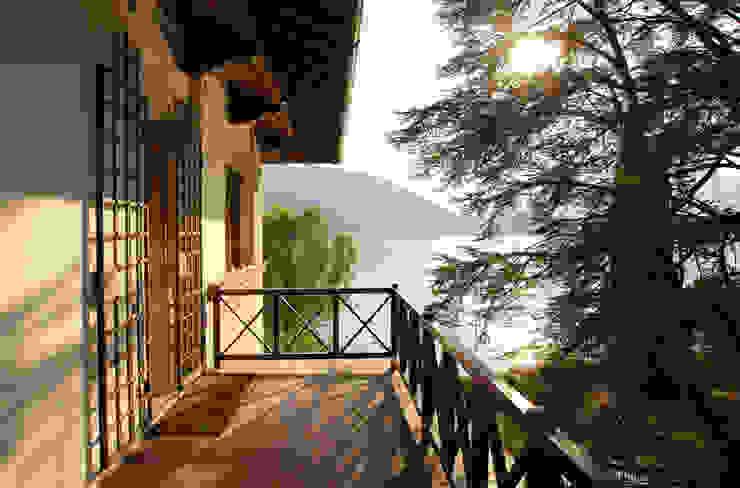 Terrace by isabella maruti architetto, Classic