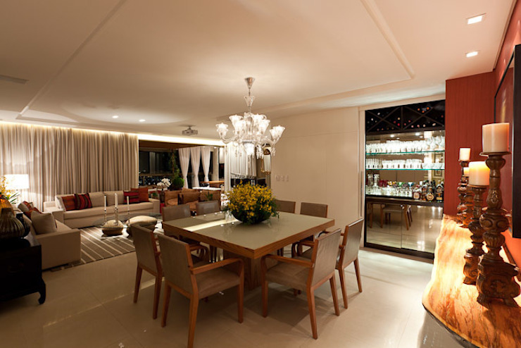 Apartamento CJ Gláucia Britto Salas de jantar modernas