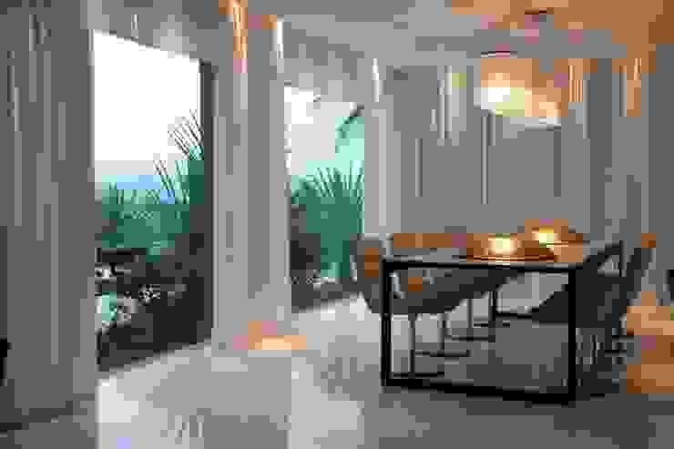Residência CN Salas de jantar modernas por Gláucia Britto Moderno