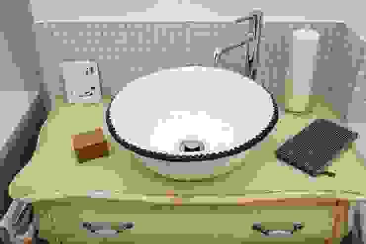 umywalka z koronką Rustykalna łazienka od dekornia Rustykalny