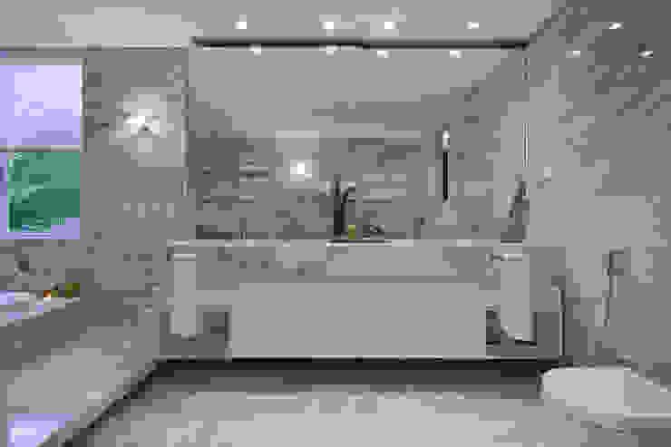 Residência CN Banheiros modernos por Gláucia Britto Moderno