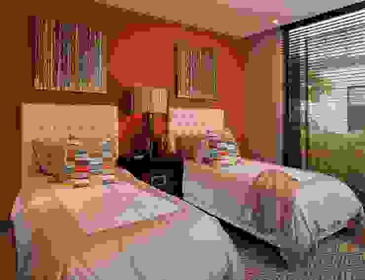 UNUO Interiorismo Eclectic style nursery/kids room