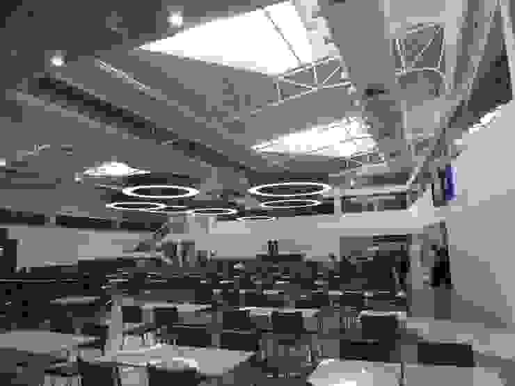 Praça de alimentação. Lojas & Imóveis comerciais modernos por Douglas Piccolo Arquitetura e Planejamento Visual LTDA. Moderno