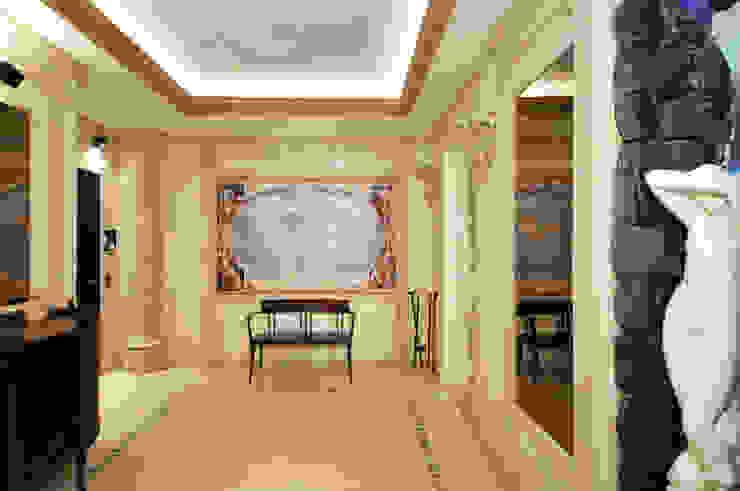 ЖК <q>Воробьевы Горы</q> Коридор, прихожая и лестница в средиземноморском стиле от Sky Gallery Средиземноморский