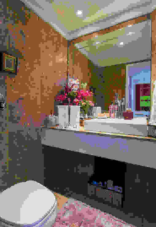 클래식스타일 욕실 by Bruno Sgrillo Arquitetura 클래식