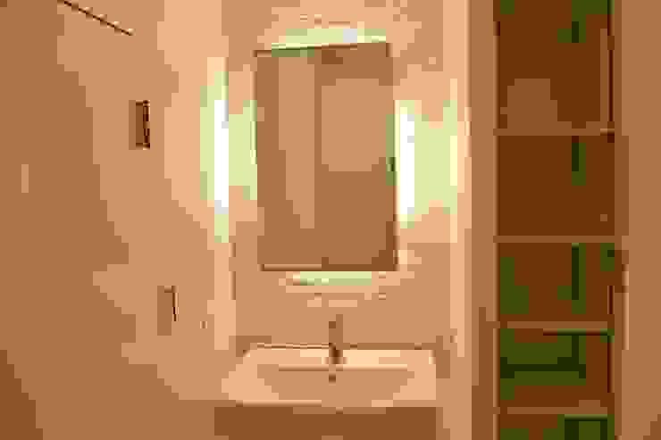 リフォーム後 洗面: ディーズハウスが手掛けた現代のです。,モダン