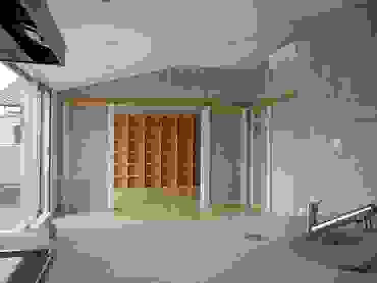 2階居住部LDK モダンデザインの リビング の 古津真一 翔設計工房一級建築士事務所 モダン