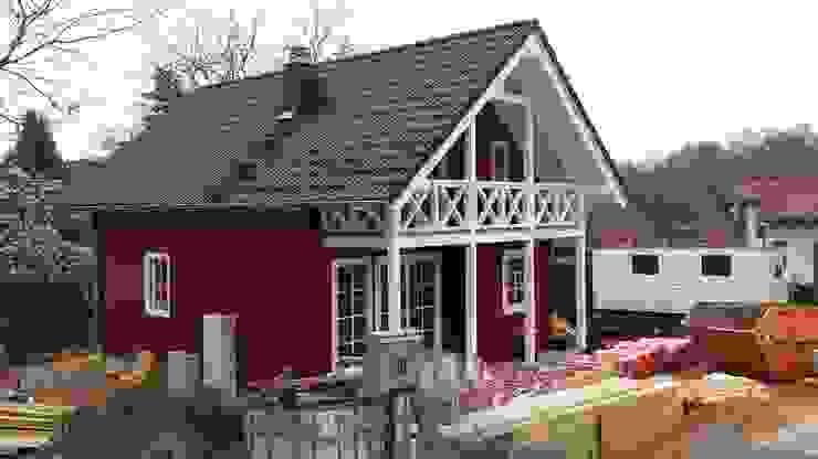 Casas escandinavas de Dr. Jeschke Holzbau GmbH & Co. KG Escandinavo