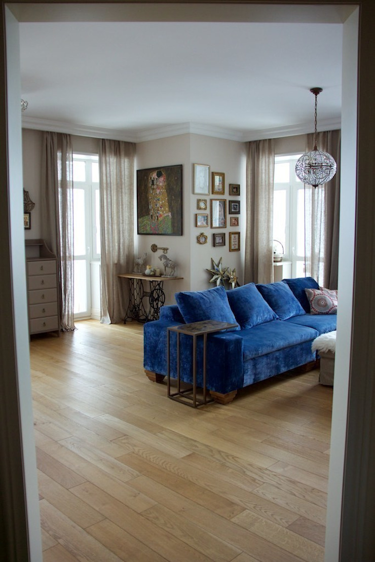 Дом на набережной Гостиная в классическом стиле от Ширванова Оксана PerfectHome Классический