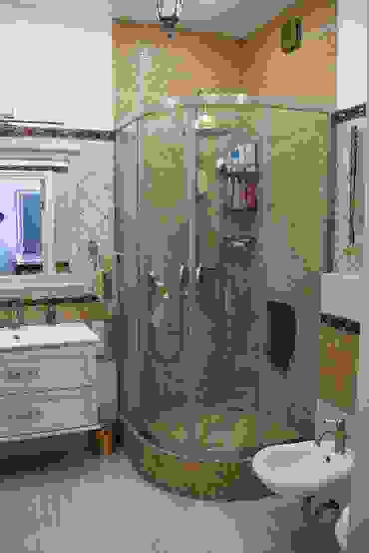 Дом на набережной Ванная в классическом стиле от Ширванова Оксана PerfectHome Классический