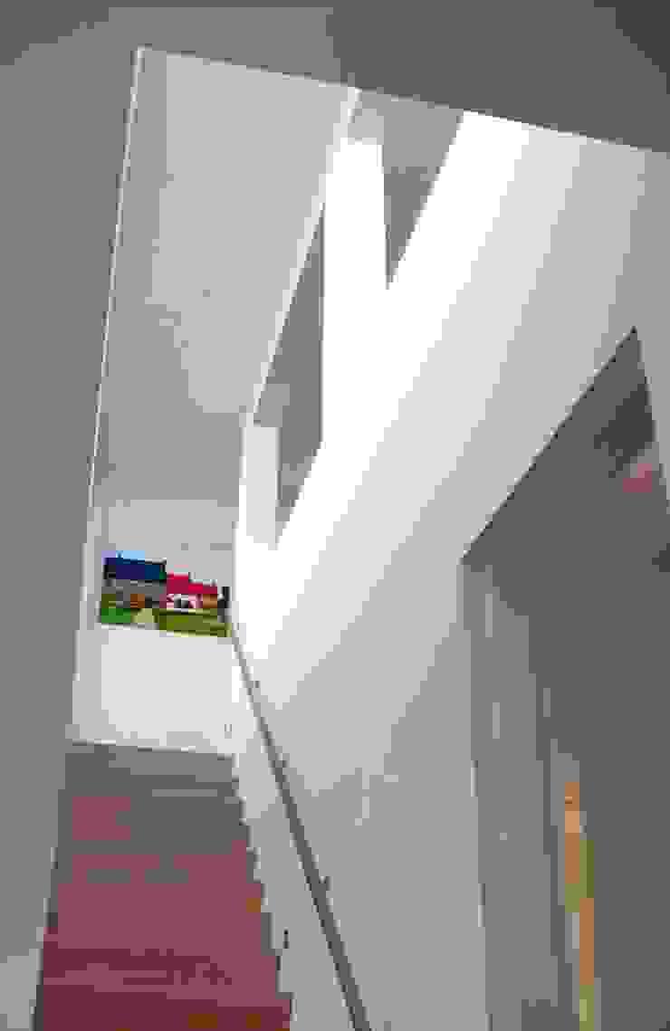 Eilandwoning Amersfoort Moderne gangen, hallen & trappenhuizen van Bureau MT Modern