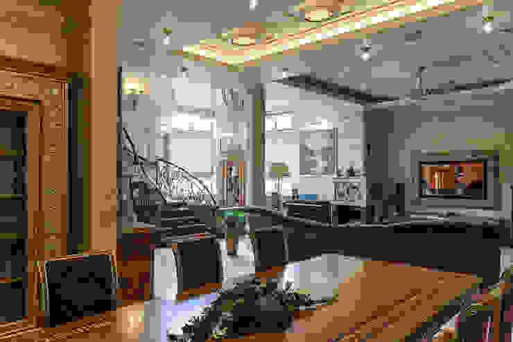 Общая гостиная зона Гостиная в классическом стиле от Интерьеры от Марии Абрамовой Классический