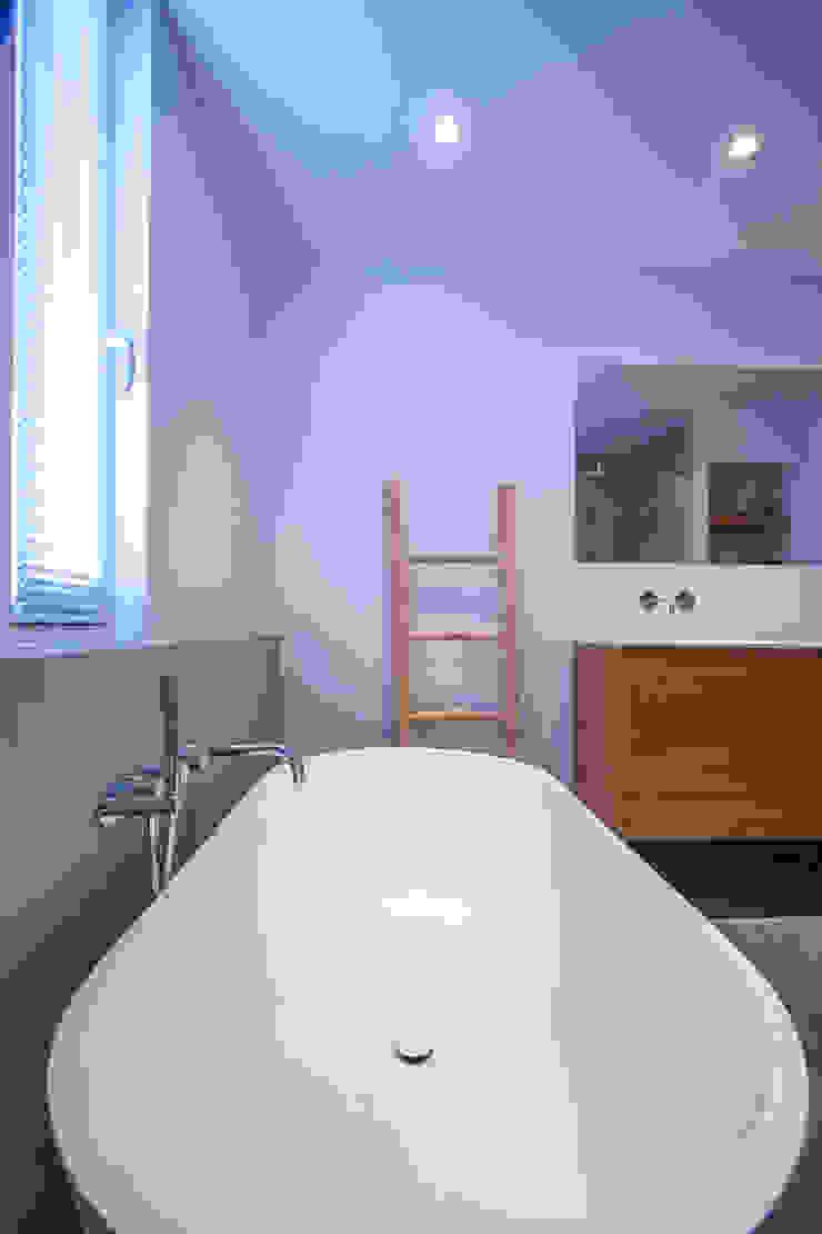 Modern Bathroom by Marike Modern