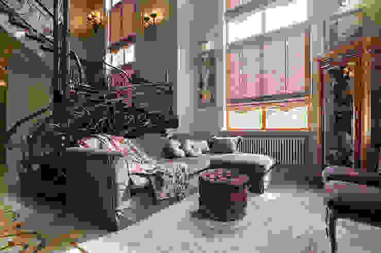 Общая гостиная зона: Гостиная в . Автор – Интерьеры от Марии Абрамовой,