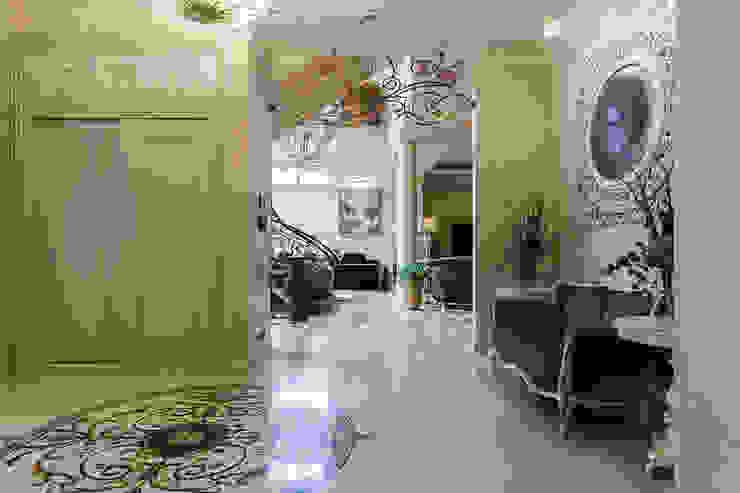 Холл-прихожая Коридор, прихожая и лестница в классическом стиле от Интерьеры от Марии Абрамовой Классический