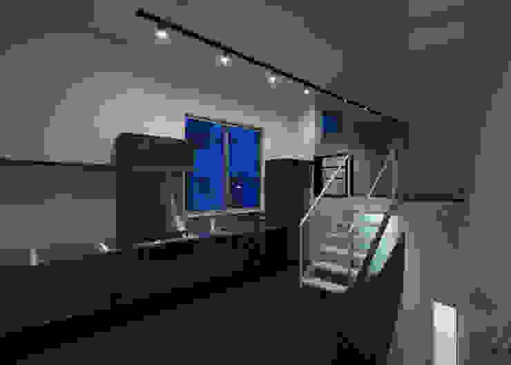 house KK 杉浦事務所 ミニマルデザインの リビング