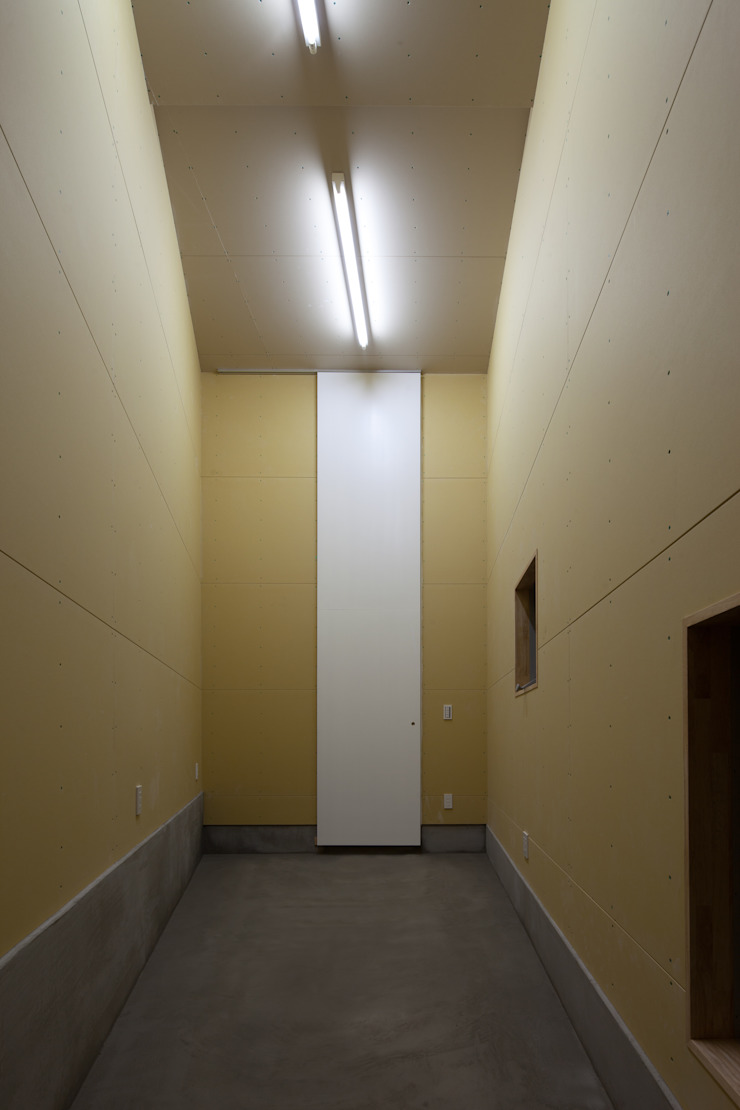house KK 杉浦事務所 ミニマルデザインの 書斎