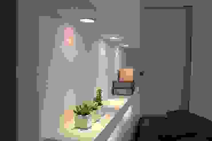 illuminazione letto di Elisa Rizzi architetto Minimalista