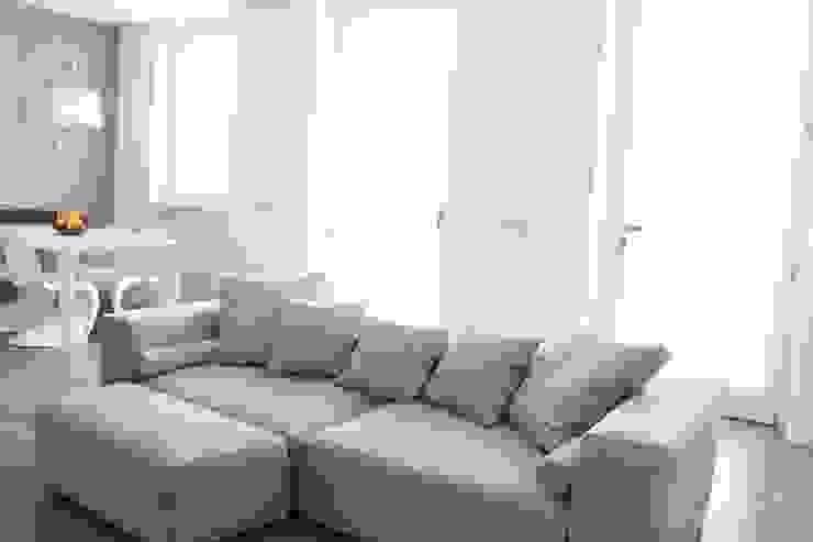 soggiorno Soggiorno minimalista di Elisa Rizzi architetto Minimalista