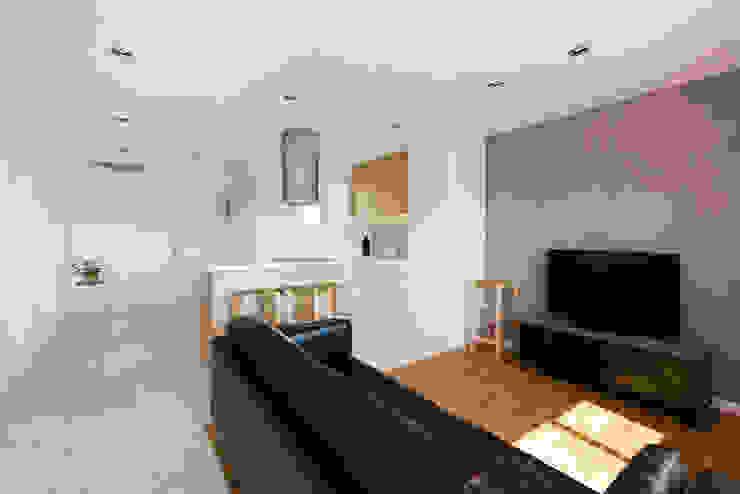 Ruang Keluarga Modern Oleh LF24 Arquitectura Interiorismo Modern