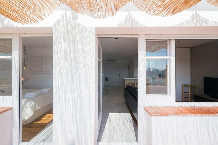 Balkon, Beranda & Teras Modern Oleh LF24 Arquitectura Interiorismo Modern