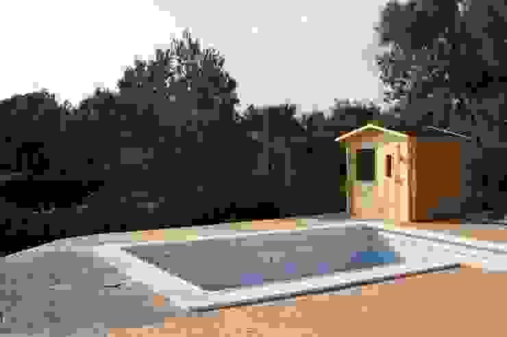 Sauna de exterior Spa modernos de homify Moderno