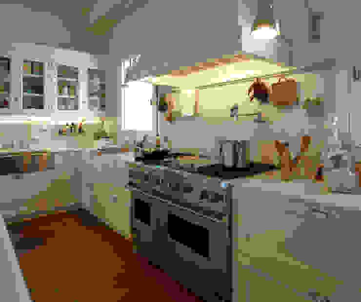 Cocinas de estilo  por DEULONDER arquitectura domestica, Moderno