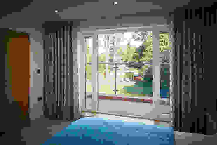House in Hiltingbury II Modern Bedroom by LA Hally Architect Modern