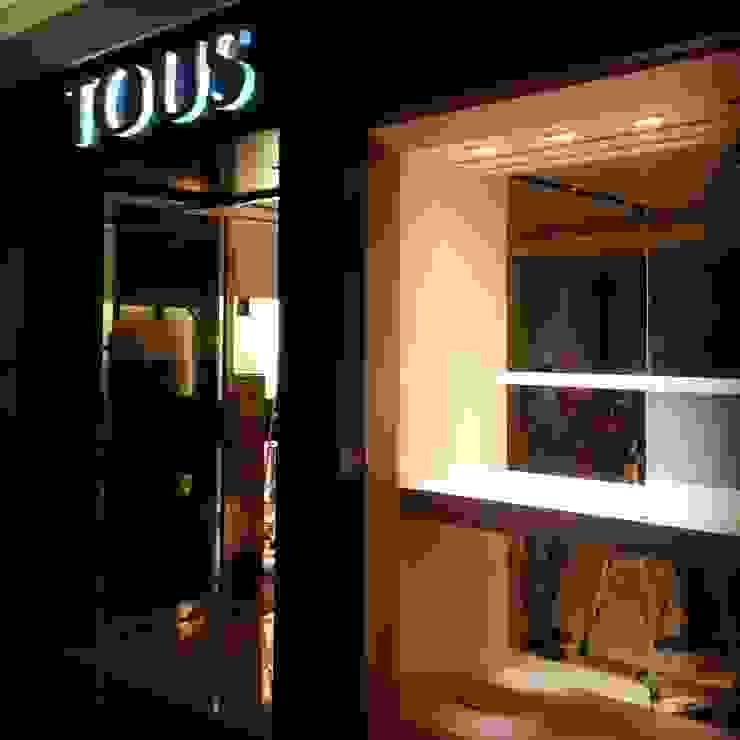 Tous // Andares, GDL. Espacios comerciales de estilo moderno de TocoMadera Moderno
