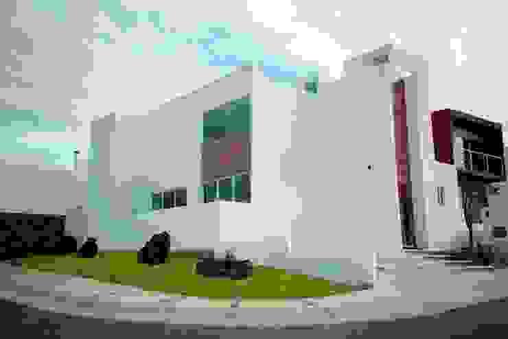 Fachada Estudios y despachos minimalistas de JF ARQUITECTOS Minimalista Ladrillos