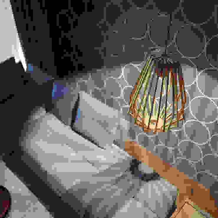現代  by GEO Iluminación Aplicada, 現代風 木頭 Wood effect
