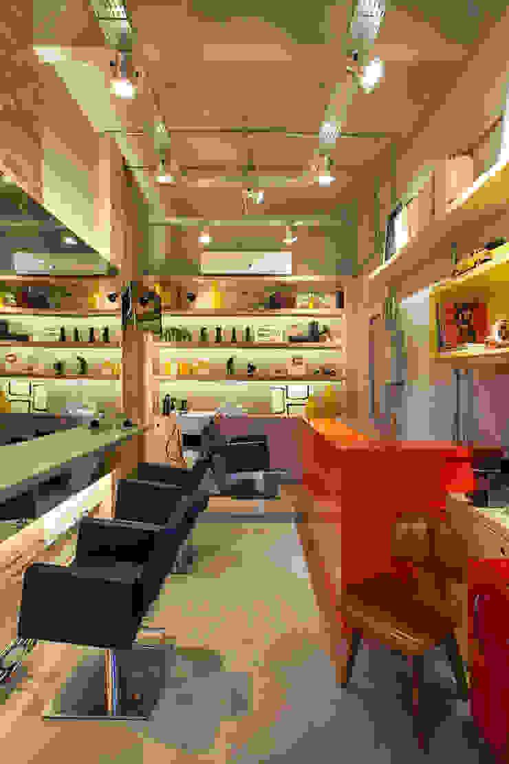 STUDIO LN Spazi commerciali in stile industrial