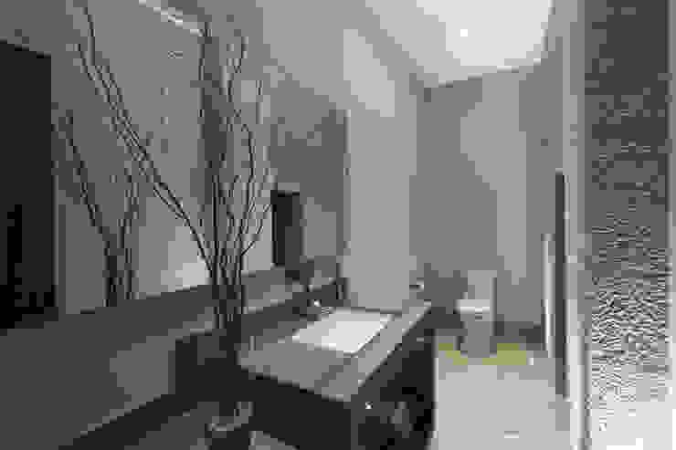Salle de bain moderne par Juan Luis Fernández Arquitecto Moderne