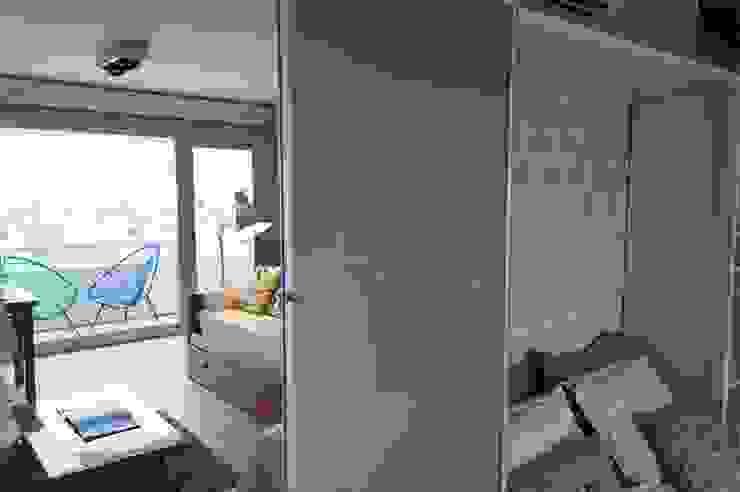 2 en 1: Cama rebatible + guardado. Dormitorios de estilo moderno de MinBai Moderno Madera Acabado en madera
