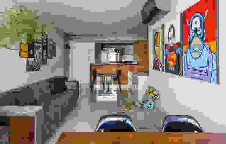 TROPICAL LOFT Salas de jantar industriais por STUDIO ANDRE LENZA Industrial