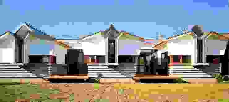 個室群 オリジナルな 家 の 有限会社加々美明建築設計室 オリジナル 石灰岩