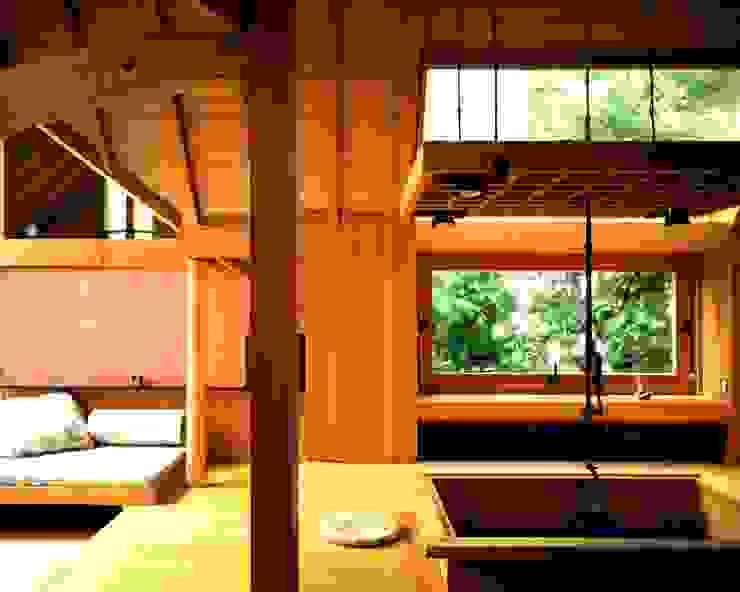 有限会社加々美明建築設計室 Ruang Makan Gaya Eklektik Kayu Wood effect