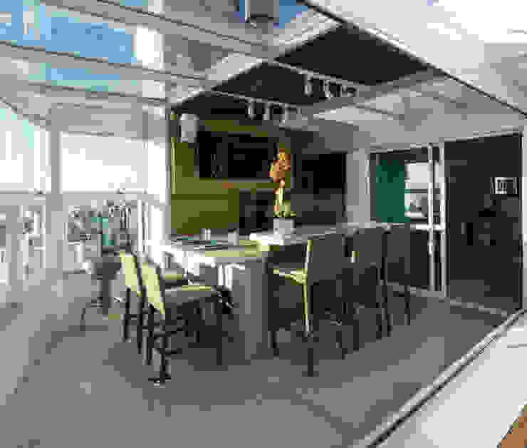 Apartamento Beiramar FL-2 Varandas, alpendres e terraços modernos por KARINA KOETZLER arquitetura e interiores Moderno
