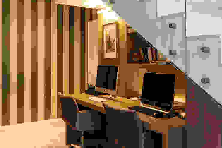 Apartamento Beiramar FL-2 Escritórios modernos por KARINA KOETZLER arquitetura e interiores Moderno