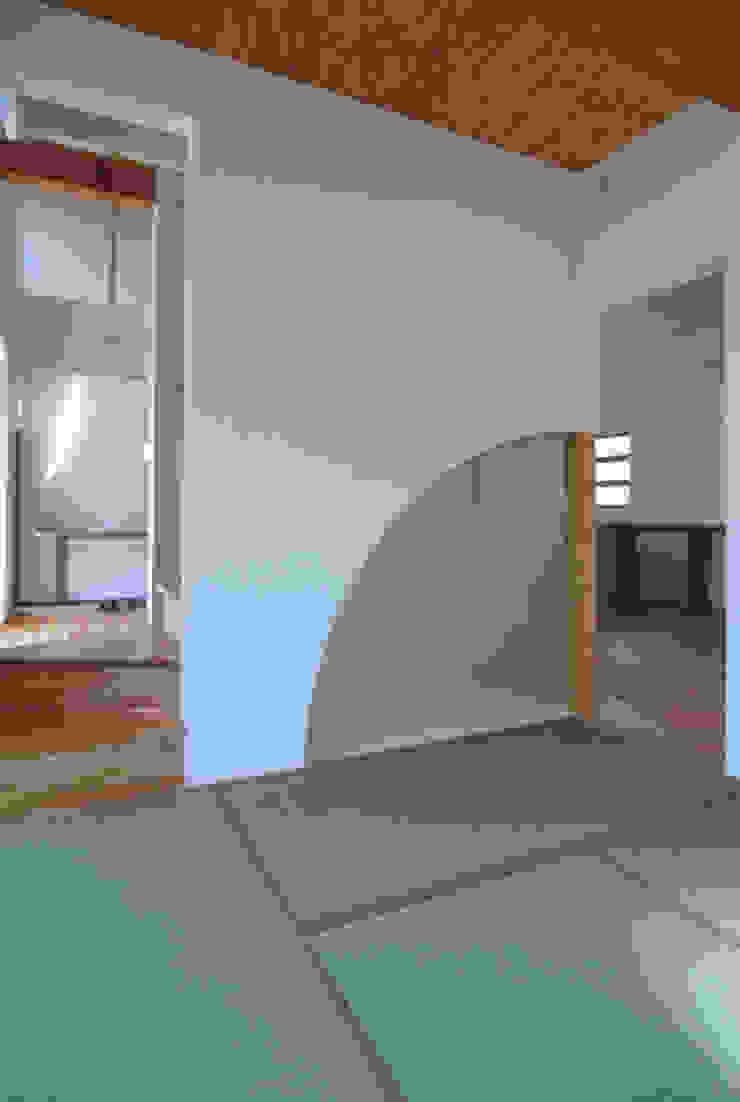 Modern media room by 原 空間工作所 HARA Urban Space Factory Modern