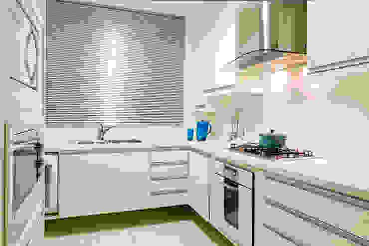 Apartamento Beiramar FL-3 Cozinhas modernas por KARINA KOETZLER arquitetura e interiores Moderno