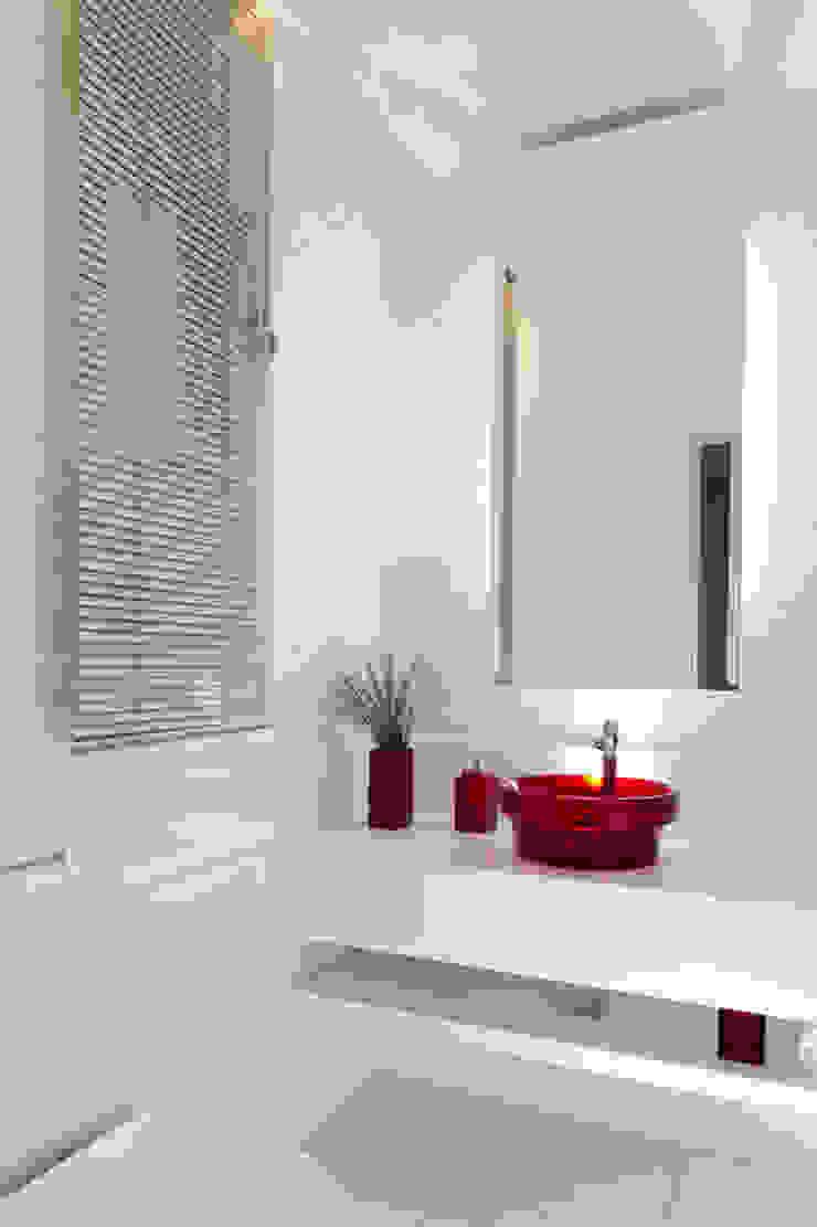 Apartamento Beiramar FL-3 Banheiros modernos por KARINA KOETZLER arquitetura e interiores Moderno