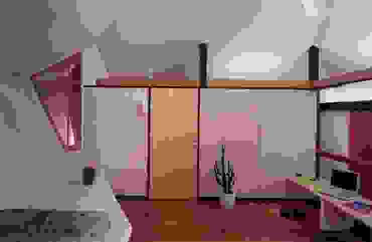 有限会社加々美明建築設計室 ห้องนอน แผ่นไม้อัด Plywood White
