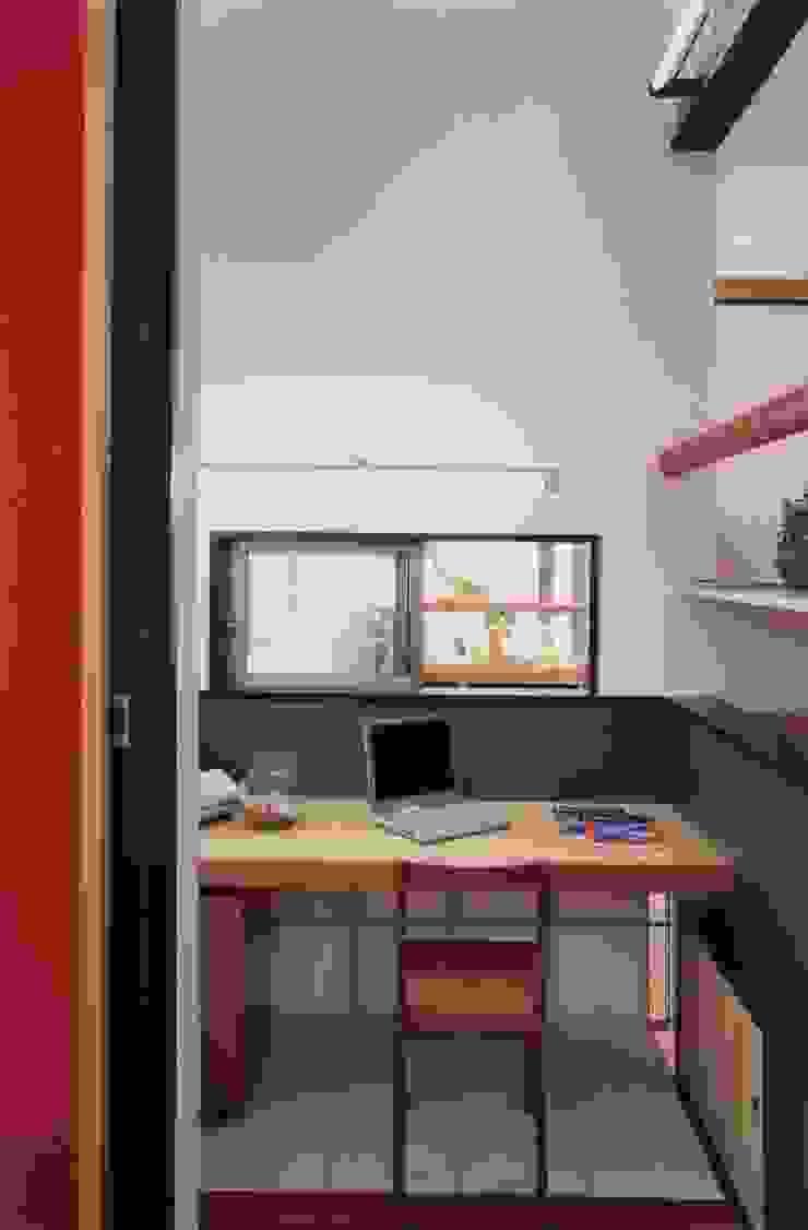 有限会社加々美明建築設計室 ห้องทำงาน/อ่านหนังสือ กระดาษ White